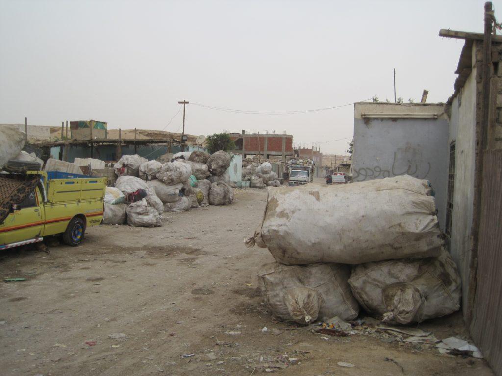 recycling garbage, Helwan City